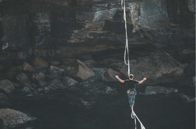 tightrope walking-min